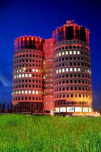 """Бизнес центр """"Sky Towers"""""""
